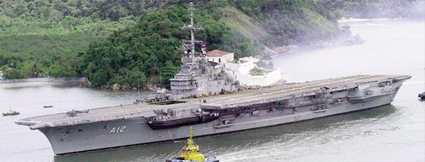 Marinha do Brasil tem longa tradição em operar de porta-aviões como o A-12 São Paulo. Projeto prevê incoporação de mais dois novos navios do tipo