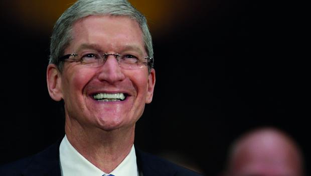"""""""Tenho orgulho de ser gay"""", declarou CEO da Apple ao assumir sua sexualidade"""