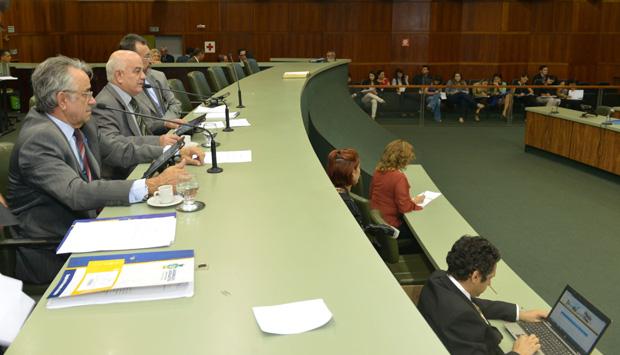 Deputado garante que Hélio de Sousa já aglutinou 23 votos na Assembleia
