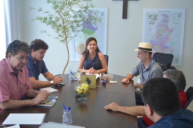 Senadora reúne-se com prefeito de Praia Norte e empresários do Ecoporto para discutirem sobre o empreendimento no Bico do Papagaio