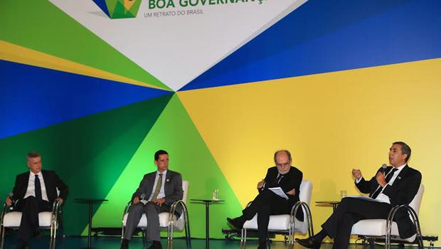 José Eliton destaca alto índice de aceitação das OSs em Goiás durante palestra no Distrito Federal