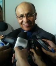Secretário Jeovalter Correia se negou a falar sobre prestação de contas (Foto: Marcello Dantas)