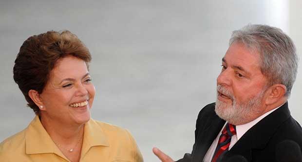 Dilma Rousseff e Lula da Silva, petistas-chefes: apesar de falar  em impeachment, imprensa não acusa presidente e ex-presidente   Foto: Wilson Dias/Abr