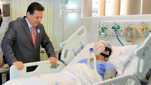 Marconi recebe importante prêmio da área da saúde conquistado pelo HGG