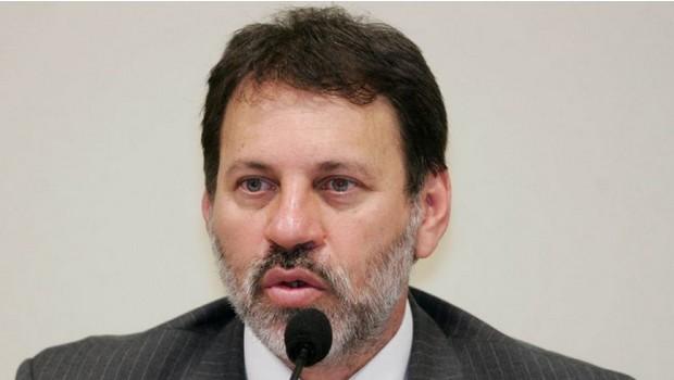 Delúbio se apresenta à Polícia Federal em São Paulo para cumprir pena de seis anos