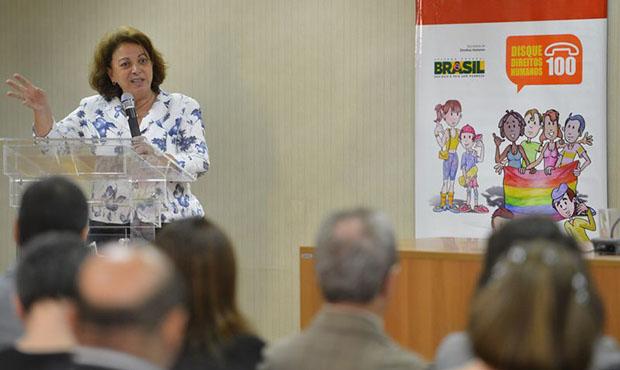 Para Ideli Salvatti, serviço precisa avançar no acompanhamento das solicitações | Foto: José Cruz/Agência  Brasil