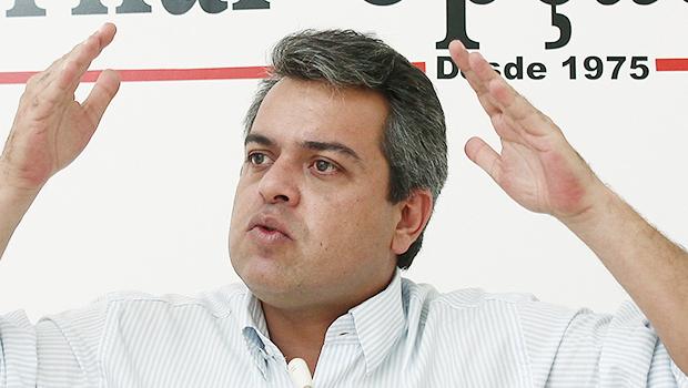 Ernesto Roller é a principal aposta do PMDB em Formosa. Já ganhou até o terno da posse