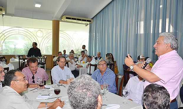 Vilmar Rocha afirma que pode concorrer ao governo em 2018