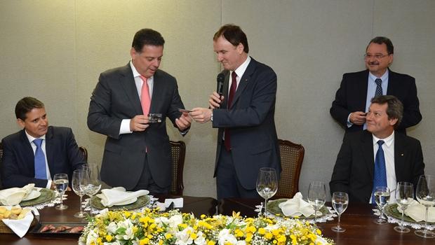 Banco do Brasil e Governo de Goiás estreitam parceria durante homenagem a Marconi Perillo