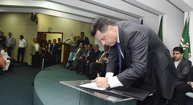 Governador fecha ano com obras que beneficiam Goiânia
