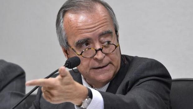 Ex-diretor da Petrobras é preso pela PF em aeroporto quando chegava de Londres