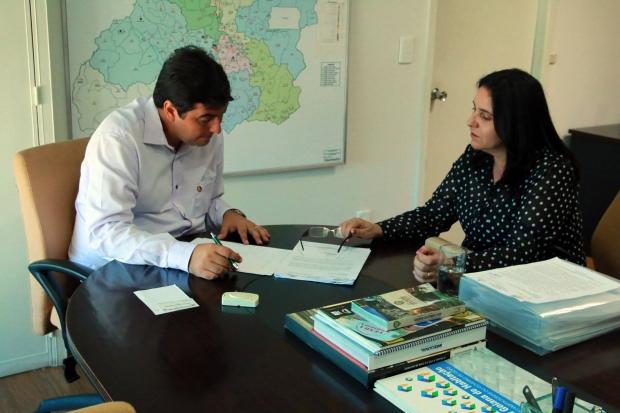 O presidente Luiz Stival assina hoje (13/01), a partir das 9 horas, ordem de serviço para a construção de mais 60 moradias em Ipameri