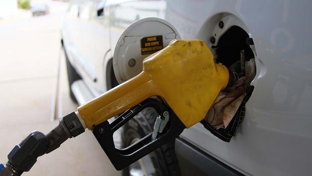 Impostos sobre combustíveis aumentam no próximo domingo