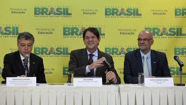 Cid Gomes detaca que tema da redação do Enem 2014 – publicidade infantil – não foi tão discutido pela mídia como a lei seca, tema de 2013 | Foto: Wilson Dias/ Agência Brasil