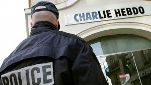 """Polícia francesa age contra terroristas que atacaram jornal """"Charlie Hebdo"""": os dois homens foram mortos"""