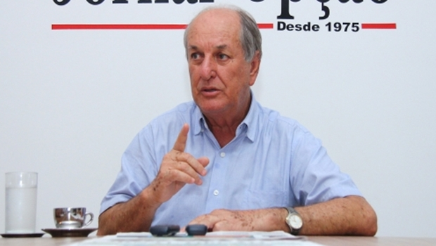 """Mané de Oliveira critica posse de Sampaio e avisa: """"Tenho a tribuna na mão"""""""