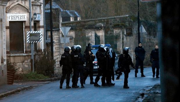 Ações contra terrorismo mobilizam mais de 88 mil agentes de segurança na França