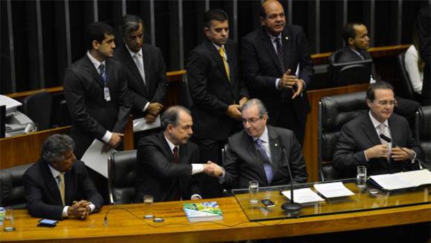 Governo e Eduardo Cunha falam em diálogo e na retomada de relações