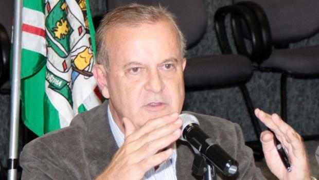 """Paulo Garcia: """"Nós temos um objetivo a seguir e não nos abalaremos com qualquer pressão"""""""