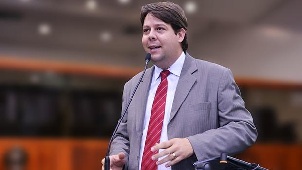 Karlos Cabral: petista quer mais uma candidatura | Foto: Marcos Kennedy/Alego
