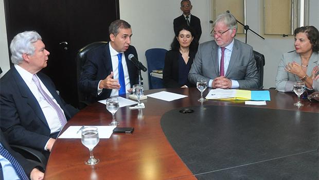 Vice-governador de Goiás e embaixador da França garantem estreitamento de relações comerciais