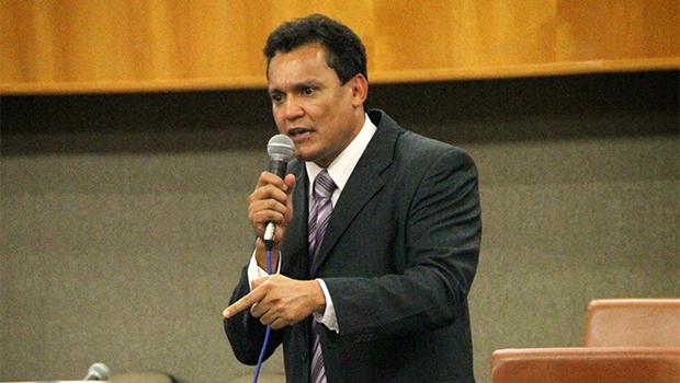 """""""É assustadora a forma como está sendo tratada a assistência social em Goiânia"""", diz vereador"""