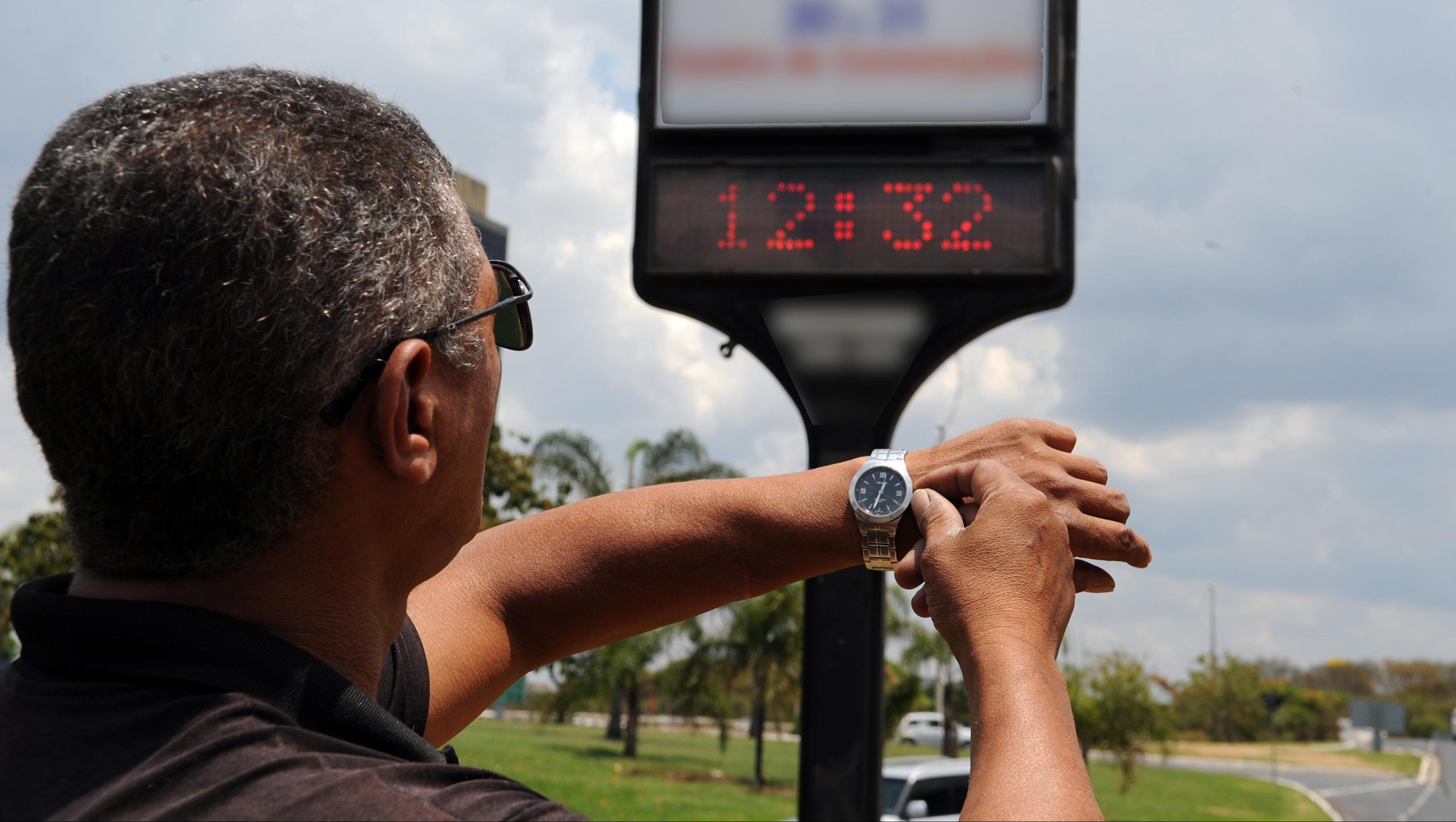 Governo desiste de prorrogação e horário de verão termina dia 22