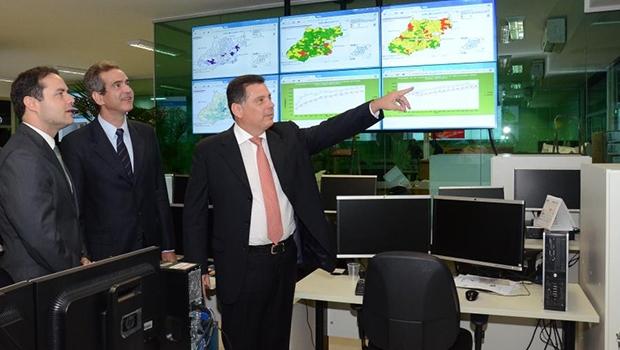 Renan Filho conhece estrutura da saúde com Marconi Perillo e  o secretário da pasta, Leonardo Vilela | Foto: Reprodução/Twitter