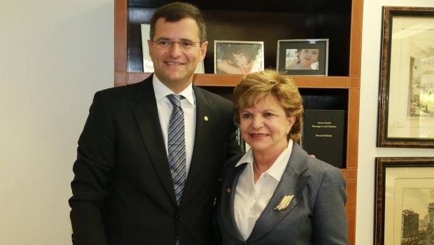 """PPS sinaliza que negociação com Lúcia Vânia está avançada e filiação depende de """"trâmites jurídicos"""""""