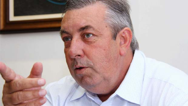 """Schreiner """"trai"""" base do governador Marconi Perillo e deve perder apoio de Rio Verde"""