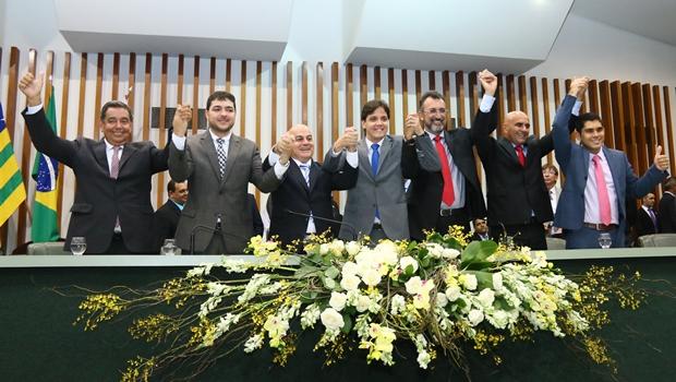 Nova mesa diretora da Assembleia: Helio de Sousa reeleito, Nédio Leite na 1ª vice e Tejota, na 2ª