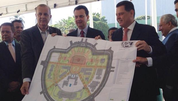 Ao lado de Kassab, Marconi e Paulo Garcia lançam obras de revitalização da Praça Cívica