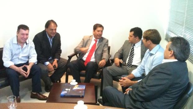Em busca de fortalecimento, bancada do PMDB na Assembleia se reúne com Maguito Vilela