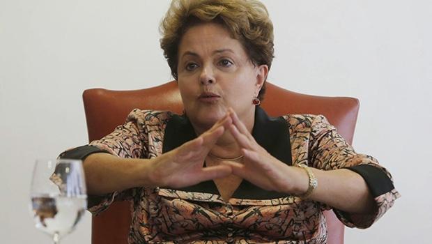 Presidente Dilma Rousseff: tomou em posse em janeiro, mas já querem tirá-la do poder