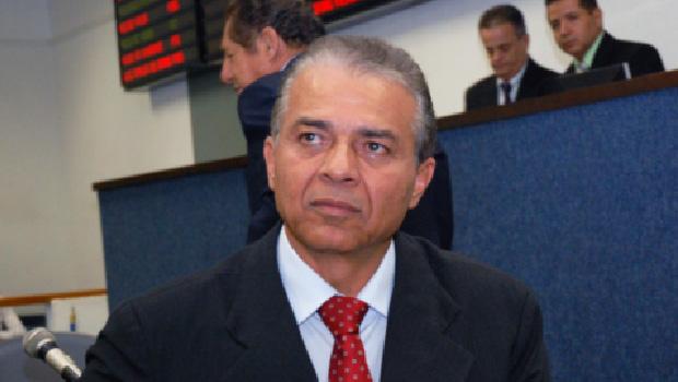 Grupo de Ademir Menezes pode apoiar candidato de Maguito Vilela a prefeito de Aparecida de Goiânia