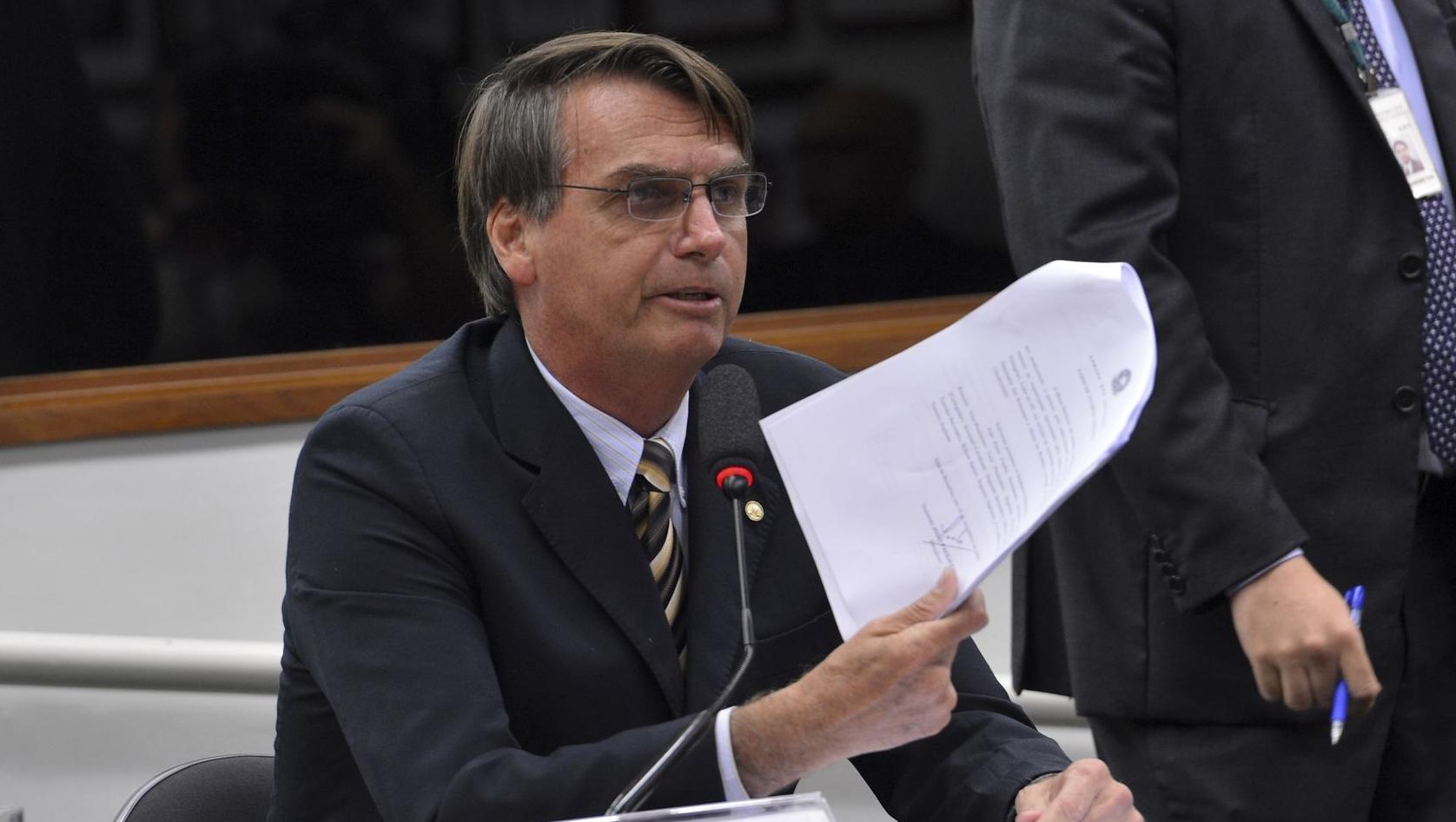 Jair Bolsonaro apresenta pedido de impeachment contra Dilma Rousseff