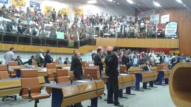 Vereadores acompanham votação para derrubada do veto do prefeito: vitória da base | Foto: Laura Machado