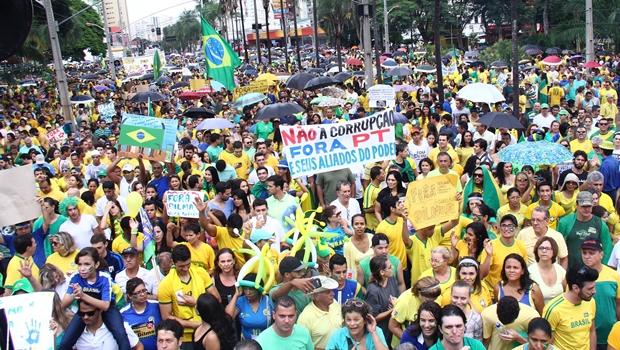 Manifestação em Goiânia reuniu 60 mil pessoas no último domingo (15/3)   Foto: Fernando Leite / Jornal Opção