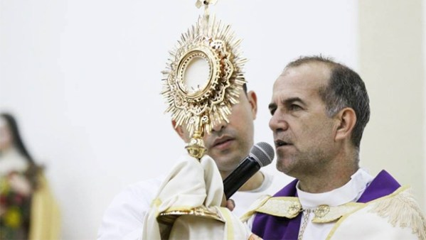 Padre Luiz Augusto deve ser julgado pela Alego   Foto: Reprodução/Facebook