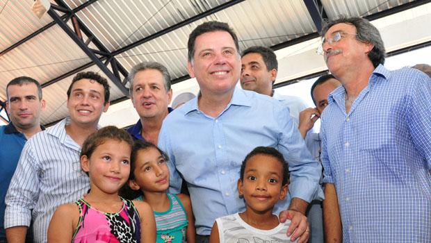Governador entrega obras e benefícios na região metropolitana de Goiânia