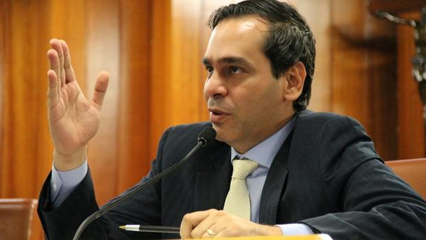"""""""Indefinição de Iris prejudica o partido"""", diz vereador do PMDB"""