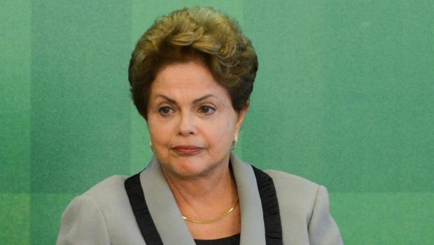 Dilma Rousseff: sem poder seguir o caminho mais curto | Foto: José Cruz/Agência Brasil