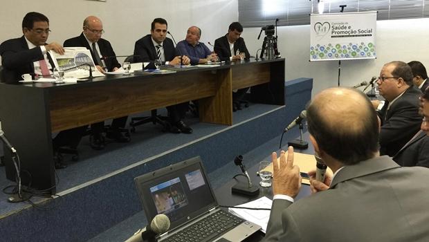 Comissão rebate críticas da oposição e afirma que OSs não diminuíram atendimentos no Estado