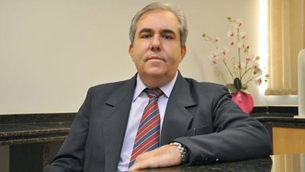 Magda Mofatto tenta convencer Joaquim Guilherme a ser candidato. Rogério Troncoso quer enfrentá-lo