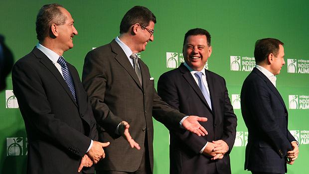 """Ministro Joaquim Levy passa por """"constrangimento"""" em Goiânia"""
