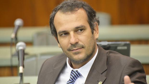Deputado petista critica oposição que critica por criticar. Defende que debate deve ser fundamentado | Foto: Marcos Kennedy / Alego