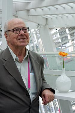 Hans Blix: postos de ex-primeiro-ministro e ex-chefe da ONU não rendem status