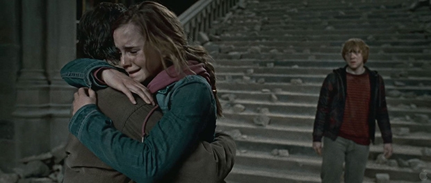 Harry_and_Hermione_hug