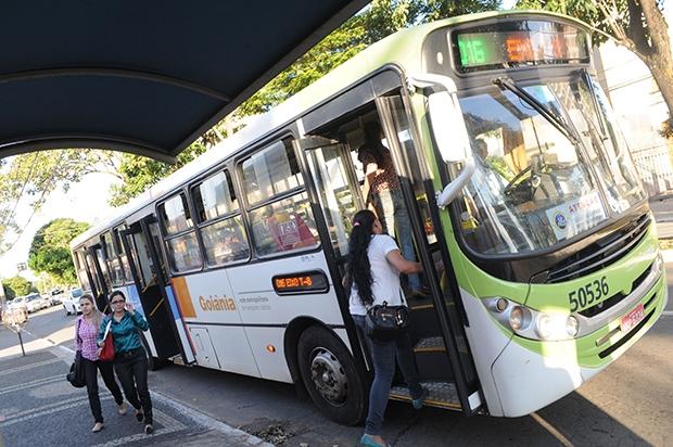 O transporte público entrou no radar das discussões dos últimos anos por uma razão: a cidade não sobrevive sem ele | Foto: Renan Accioly