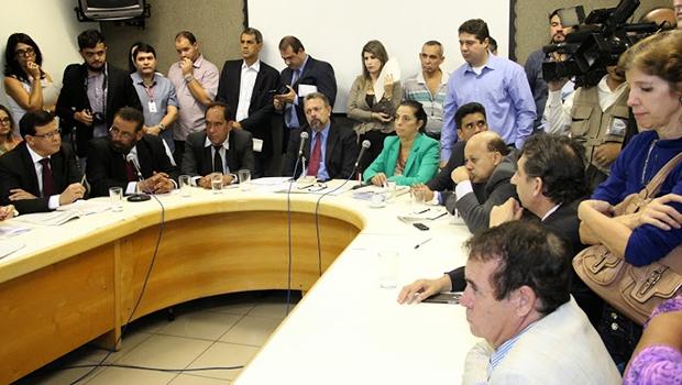 Vereadores da base rejeitaram praticamente todas as emendas da oposição, na CCJ | Foto: Eduardo Nogueira/Câmara de Goiânia